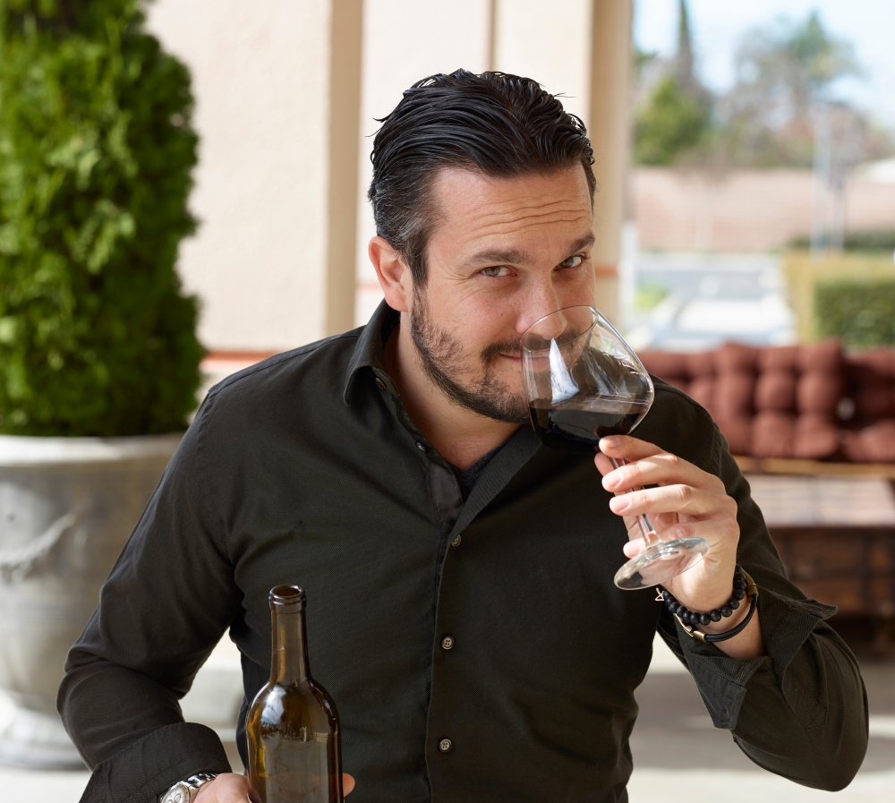 FABIO_OUTSIDE_WINE_GLASS_2