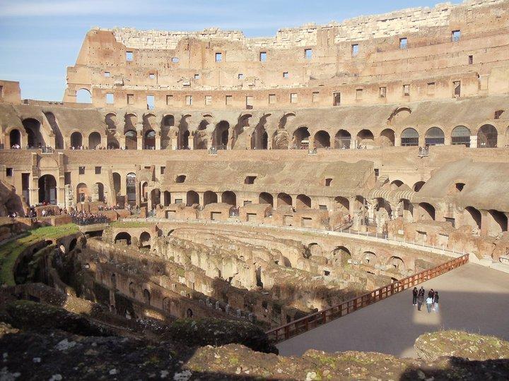 Roman_Colosseum_2011